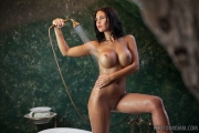 Kendra Big Tits Bathtime 11