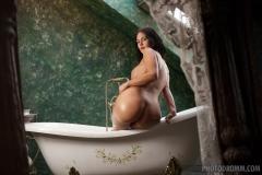 Kendra Big Tits Bathtime 02