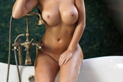 Kendra Big Tits Bathtime 04