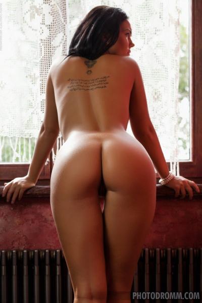 Kendra Big Tits on Display 09