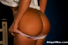 Abigail Mac Big Tits Gets Sweaty at the Gym 014