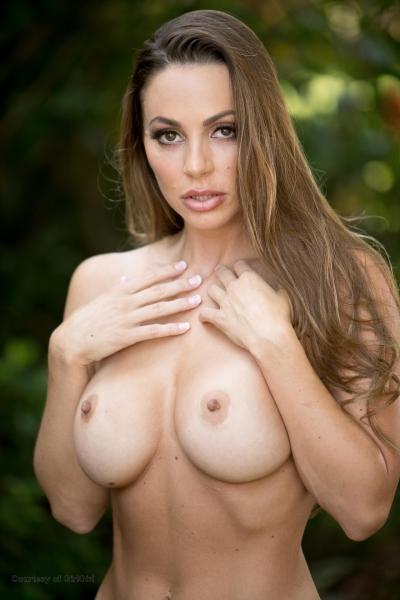 Abigail-Mac-Big-Tits-in-Sexy-Black-Bra-014
