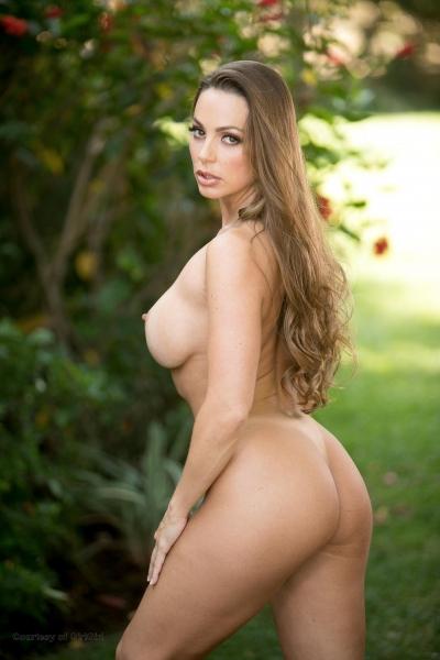 Abigail-Mac-Big-Tits-in-Sexy-Black-Bra-015