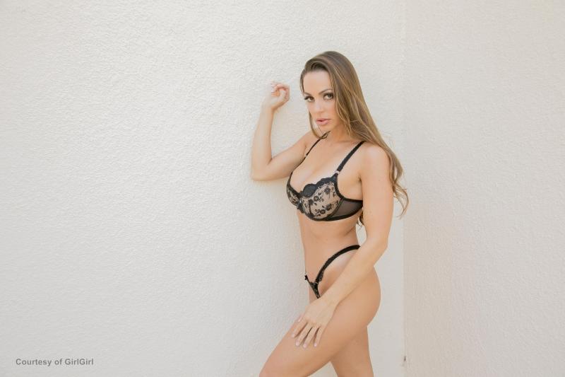 Abigail-Mac-Big-Tits-in-Sexy-Black-Bra-016