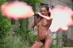 ActionGirls Martina Fox Shooting Bazooka 01