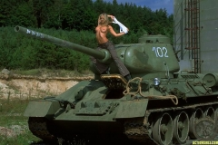 ActionGirls Silvie Thomas Rides Tank 01