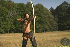 ActionGirls Susana Spears Bow and Arrow 01