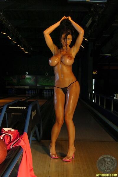 ActionGirls Veronica Zemanova Big Tits Bowling 12