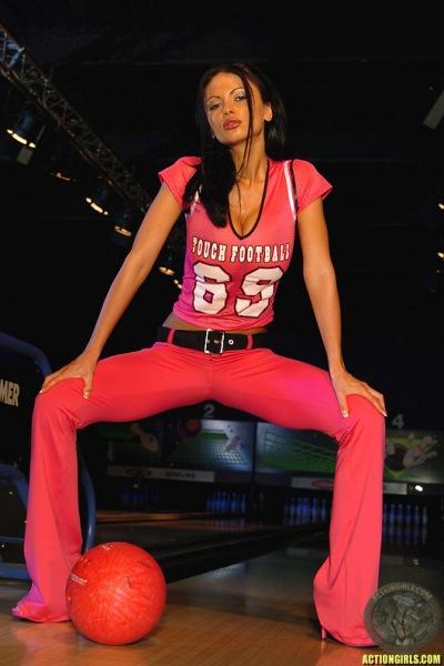 ActionGirls Veronica Zemanova Big Tits Bowling 03