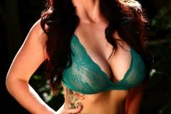 Alison-Tyler-Big-Tits-in-Sey-Green-Lingerie-002