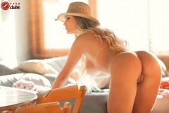 Andressa Urach Boobs on horseback 12