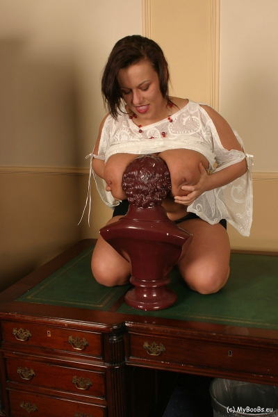 Aneta-Buena-Huge-Bust-resting-on-a-Bust-006