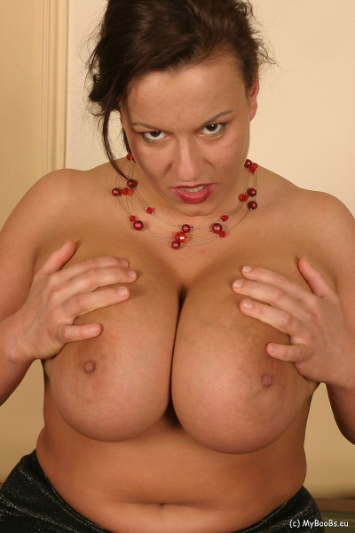 Aneta-Buena-Huge-Bust-resting-on-a-Bust-008