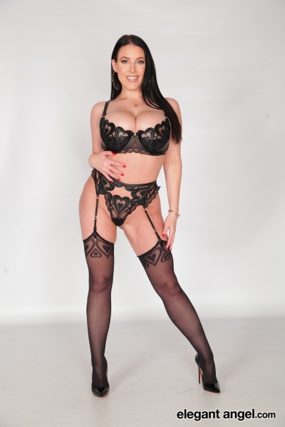 Angela-White-Big-Tits-in-Sexy-Black-Lingerie-004