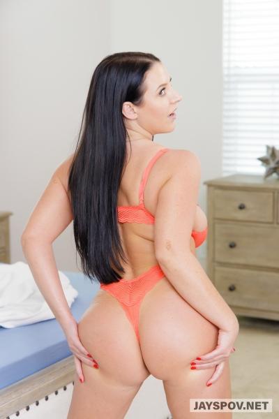 Angela-White-Huge-Tits-in-Orange-Bra-017