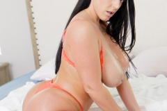 Angela-White-Huge-Tits-in-Orange-Bra-036