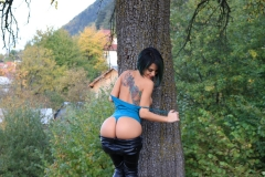 Anisyia Big Tits Tight Leather Trousers in the Forest 008