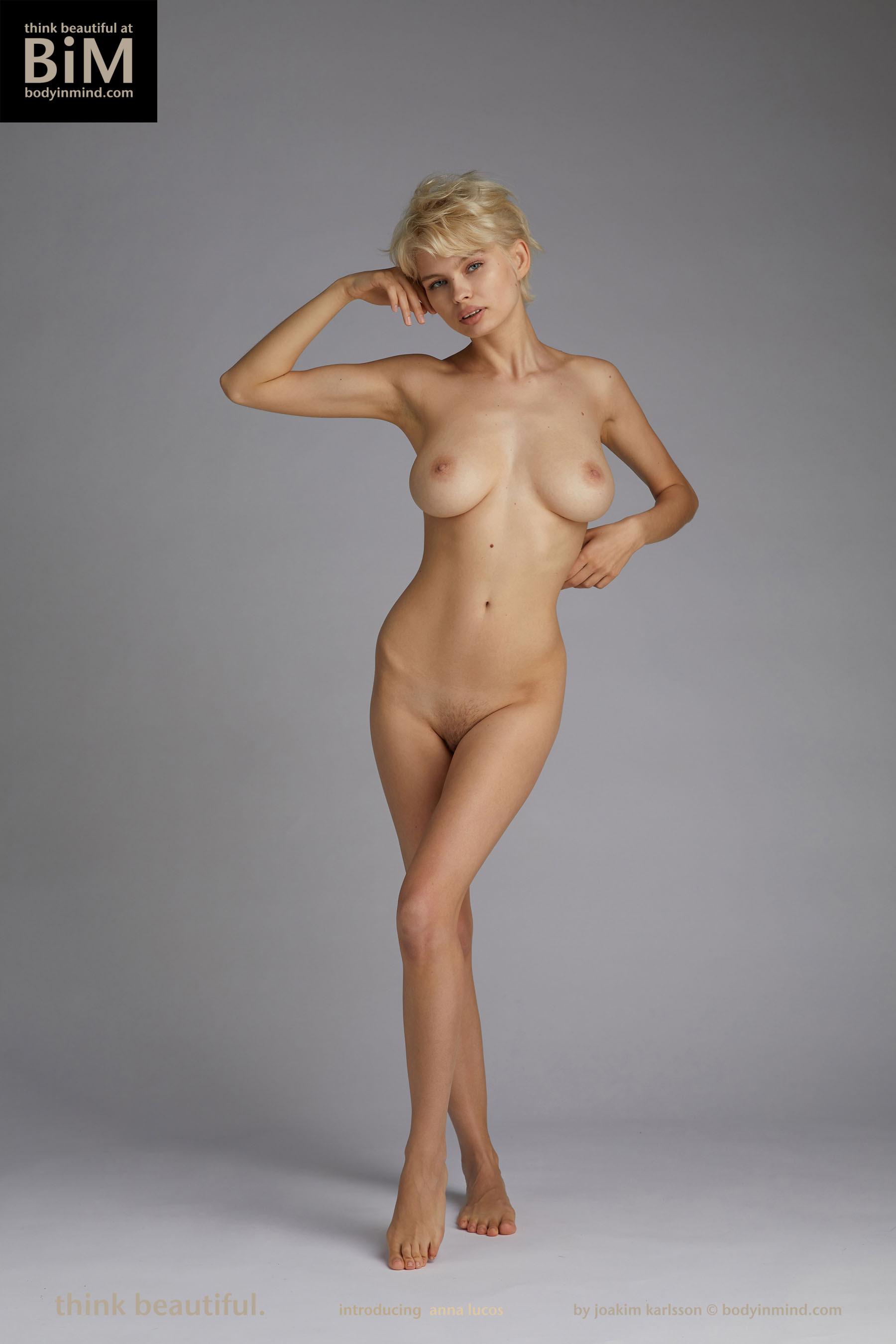 nude boobs Short big