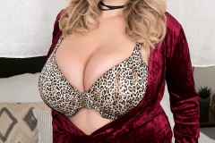 Annabelle Rogers Huge Boobs Flopping around a Leopard Print Bra 003