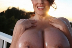 Antonella Kahllo Huge Tits Get Naked and Oily 010