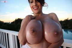 Antonella Kahllo Huge Tits Get Naked and Oily 011