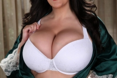 Antonella Kahllo Huge Tits in a White Bra 01