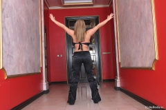 Bea Flora is Huge Tit Dancing Girl 002