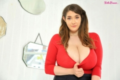 Bella-Brewer-Naked-Huge-Tits-Cleavage-Red-Top-and-Miniskirt-005