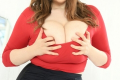 Bella-Brewer-Naked-Huge-Tits-Cleavage-Red-Top-and-Miniskirt-009