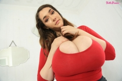 Bella-Brewer-Naked-Huge-Tits-Cleavage-Red-Top-and-Miniskirt-012