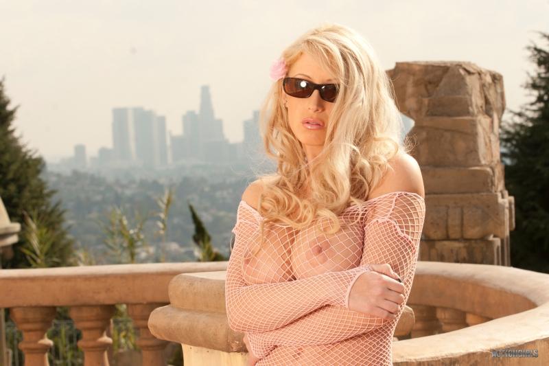 Brooke-Bexker-Big-Tit-Blonde-in-Fishnet-Shirt-for-ActionGirls-010