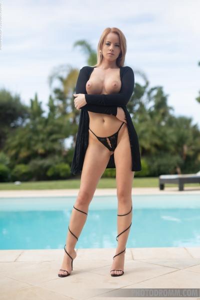 Brooke-Big-Tits-in-Little-Black-Dress-for-Photodromm-003