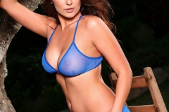 Caitlin-Wynters-Big-Tits-in-Blue-Bra-and-Panties-001