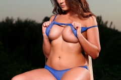 Caitlin-Wynters-Big-Tits-in-Blue-Bra-and-Panties-006