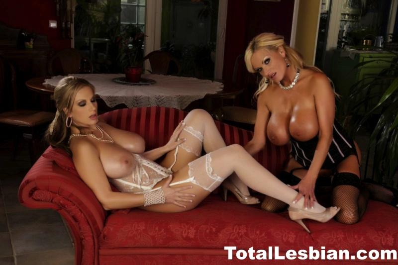 Carol-and-Nikita-Blue-have-Big-Tit-Lesbian-Fun-006