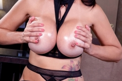 Catalina Cruz Big Boobs Has Fun in Sexy Black Lingerie 014