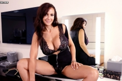 Catalina Cruz Big Juicy Boobs in a tight black dress 004