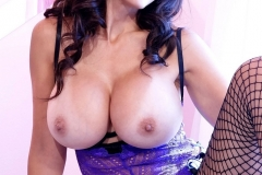 Catalina Cruz Big Tits Purple Corset 02