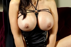 Catalina Cruz Huge Tits Black Leather Basque 07
