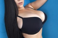 Chloe_Great_Tits_in_Black_Bra_Top_004