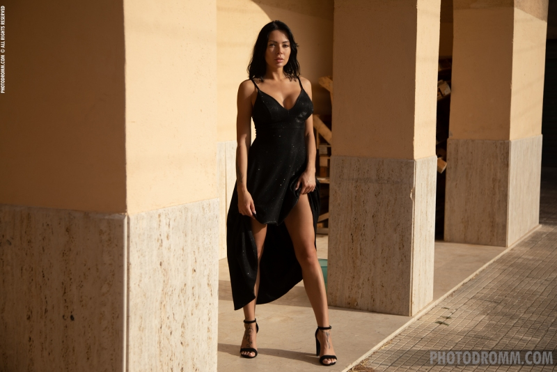 Claire-Big-Tits-in-Sexy-Black-Dress-for-Photodromm-001