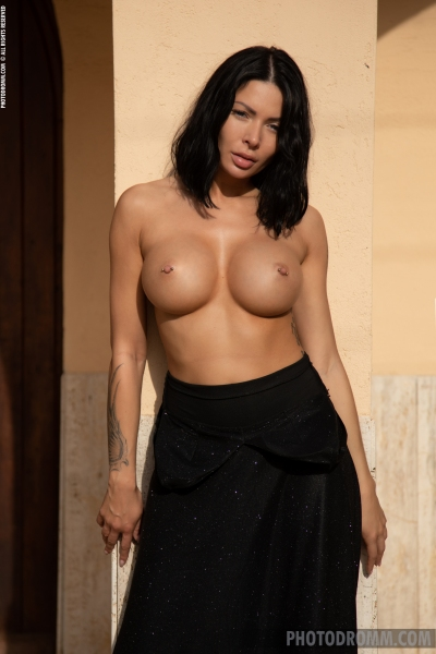 Claire-Big-Tits-in-Sexy-Black-Dress-for-Photodromm-004