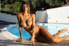 Claudia Big Boobs a la Piscina for Photodromm 007