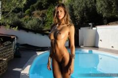 Claudia Big Boobs a la Piscina for Photodromm 011