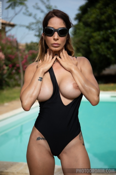 Cyrelle-Big-Tits-at-the-Pool-for-Photodromm-003