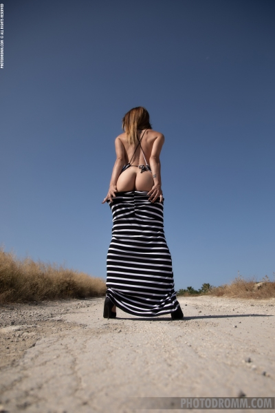 Cyrelle-Big-Tits-in-Tight-Dress-on-the-Road-for-Photodromm-002