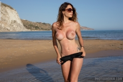 Cyrelle-Big-Tits-Look-Hot-on-the-Beach-for-Photodromm-003