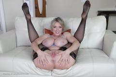 Dee-Williams-Big-Tits-and-Black-Stockings-015