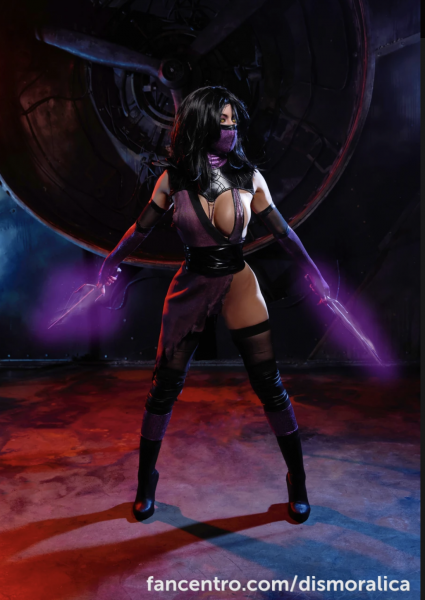 Dismoralica-is-a-big-tit-Cosplay-Girl-010