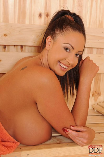 Emma-Butt-Takes-Huge-Tits-for-a-Sauna-004